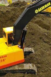 BIG RC EXCAVATOR AKERMAN H14 AMAZING RC MODEL MACHINE AT WORK