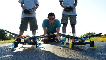EPIC FLYING RC CAR REVIEW – HOT WHEELS SKY SHOCK
