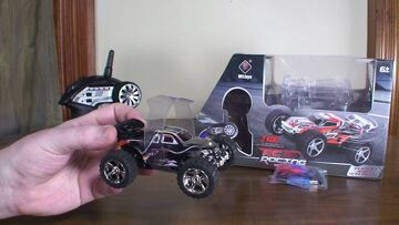 WLtoys L929 RC Racing Speed & Stunt Car (aka Mini Monster Truck) – Review and Drive
