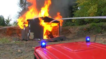 BIG FIRE | HEAVY FIRE IN WAREHOUSE | RC FIRE TRUCK |  FIRE TRUCKS  |  REAL ACTION! FEUER !