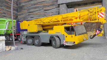 MOBILE CRANE – RC  LIBHERR LTM 1055 au travail, Strong K-700