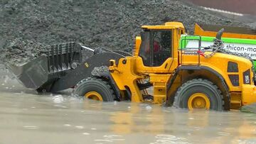 HEAVY MACHINES WORKING IN THE WATER🔥RC MACHINES IN THE MUD🔥RC LIVE ACTION CONSTRUCTION