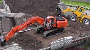 RC EXCAVATOR O&K RH 6,DAMITZ BAGGER, BIG RC CONSTRUCTION SIDE! RC实时行动! heavy model digger