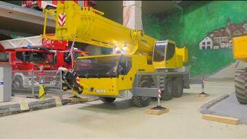 LIEBHERR CRANE – RC KRAN LTM 1055 – mounting the radio tower