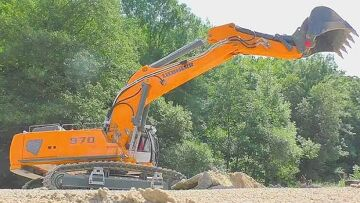 RC Liebherr 970 Excavator work totay at the big mine! Fantastic RC digger! RC LIVE ACTION