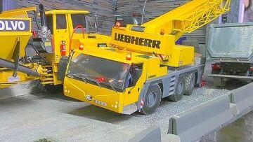 RC CRANE LIEBHERR  LTM 1055 WORK ON THE DEEP CONSTRUCTION! NICE RC CRANE ACTION! RC LIVE ACTION
