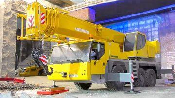 UNIQUE RC Crane Truck! Liebherr LTM 1055! Cool trucks! Heavy machines!