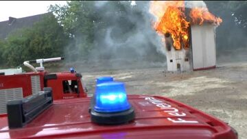 Hausfeuer! Fantastic rc fire trucks ! rc Feuerwehr! Großbrand