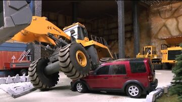 Heavy  rc car accident at the construction! Rc action! Fantastic rc live action video for kids!