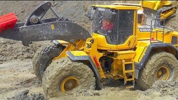 RC CANTEIRO DE OBRAS EXTREME! HEAVY RC VEHICLES WORK AT THE BIGGEST CONSTRUCTION SITE! RC IN MUD
