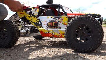 HUGE TIRES on my KRAKEN VEKTA 5 32cc GAS Race Truck : MAXXIS TREPADORS | RC ADVENTURES