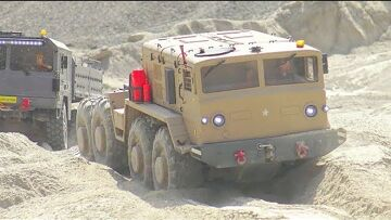 Heavy RC Trucks work very hard! Kirovets, Человек, Liebherr and the Winch Dozer Morooka T800 in Action