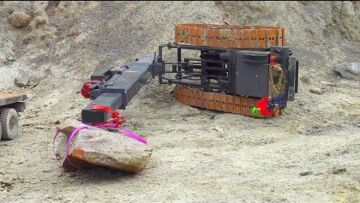 CRANE ACCIDENT! RC CONSTRUCTION VEHICLE ACCIDENT! RC TRUCK RESCUE! KOMATSU WHEEL LOADER IN ACTION