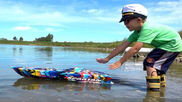 RC ADVENTURES – NEW Capt. MOE & his 1ST HUGE SPEED BOAT Experience – TRAXXAS SPARTAN #ProudParenting