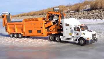 ICE ROAD TRUCKER – IT'S NOT EASY PULLING A HEAVY LOAD – Even at 1/14th scale   RC ΠΕΡΙΠΈΤΕΙΕς