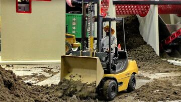 RC MODEL FORKLIFT TOYOTA AT THE HARD WORK AMAZING DETAIL MODEL IN MOTION