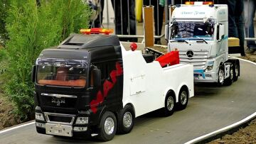 RC TOWING TRUCK IN ACTION AMAZING DETAIL IN SCALE 1:16 NICE MODELS IN MOTION
