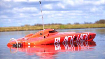 RC ADVENTURES – 4S Lipo Blackjack 29 BL Catamaran RC SPEED BOAT from ProBoat