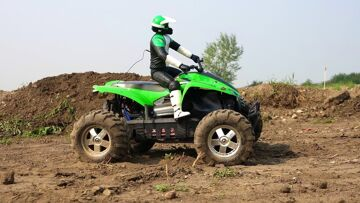 AVVENTURE RC – Kawasaki ATV & the SUPERMAN RAMP! 6s Lipo Savage Flux HP 4×4 Monte