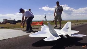 RC ADVENTURES – Want to fly one of these? Radio Controlled Turbine JET – F-22 RAPTOR