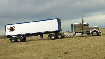 RC AVONTUREN – 1/14th Scale Extended Chrome Tractor Truck & Trailer (Radiografisch bestuurd)