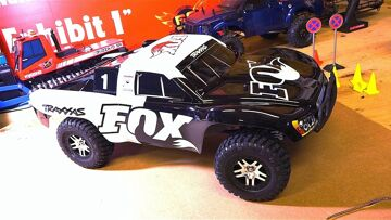 RC ADVENTURES – Unboxing a Traxxas Slash 4×4 FOX Edition 2.4GHz 1:10 RTR Brushless Electric RC Truck
