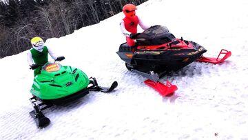 RC ADVENTURES – Dual Radio Control Snowmobiles – Arctic Cat & Ski-Doo MXZ – Brushless & Lipo Power