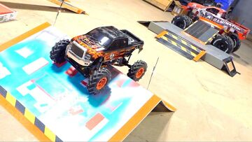 2 MiN MONSTER TRUCK – KEViN TALBOT'S FREESTYLE CHALLENGE ENTRY! AXiAL SMT10 4×4 | RC ADVENTURES