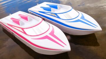 """RC ADVENTURES – JEMS NEW 6S LiPO """"Pretty in Pink"""" THRASHER UNBOXiNG! Streamline RC JET BOAT"""
