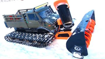RC ADVENTURES – Snow Machine doing Work! This Uni-Blower is SUPER COOL!