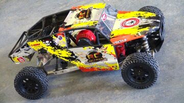 RC ADVENTURES – JUMPiNG A HUUGE RC TRUCK! The KRAKEN VEKTA 5 – FiRST WINTER BASH SESSiON!