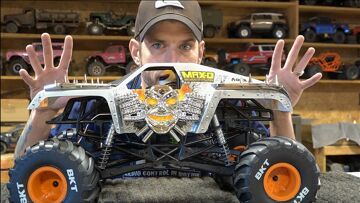 MONSTER JAM MAX D – AXIAL 4×4 Truck Unboxing – SM10T | RC ADVENTURES