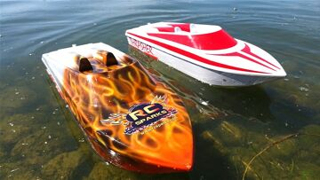RC ΠΕΡΙΠΈΤΕΙΕς – NEW CAPTAiNS! Thrasher Jet Boats on 5S Lipo – LET THEM TRY!