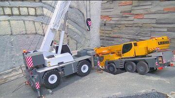 CRANE ACCIDENT 2020! LRT1100 RESCUE THE LTM 1055! LIEBHERR MOBILE CRANE IN DANGER