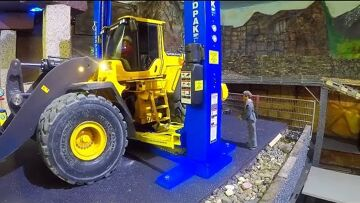 RC Service Station Part 2! New Oel Service for the Volvo L250G! Fantastic rc Equipment!