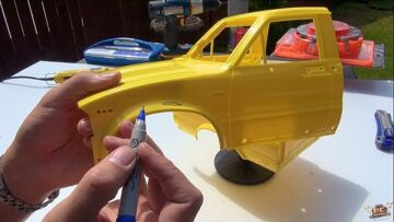 """RC ADVENTURES – PAiNT an RC – """"Top Gear Toyota Hilux"""" Tribute – PT1 – SPRAY & RUST (RC4WD TF2) BV3"""