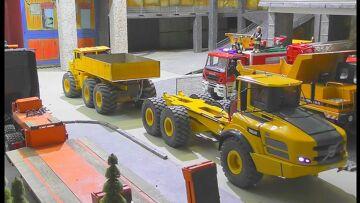 RC Truck Pulling! Powerfight r/c K-700 VS. Volvo A45G!Heavy r/c machines power