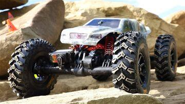它们起作用吗? 岩石爬行技巧 – RC4WD 天才轮胎带弹道珠锁 | RC 冒险