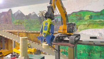 Excavador – RC Demolición de una estación de radio l Abriss eines Funkturm mit den LH 956 L