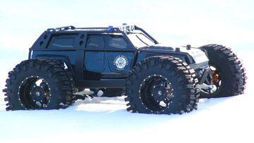RC ADVENTURES – TRAXXAS SUMMiT – Fugitive Recovery Vehicle 4×4 – Apocalypse Truck