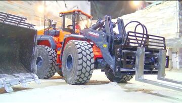 HIDROMENK 640 WL RC AT WORK! FIRST WORK AT THE WORLD OF RC! COOL NEW WHEEL LOADER ! HIDROMENK SPECIA