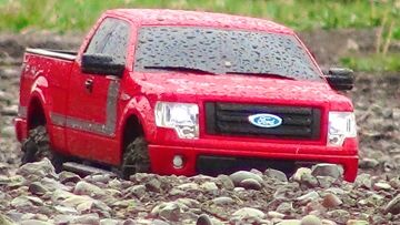 RC ΠΕΡΙΠΈΤΕΙΕς – 2013 Ford F-150 FX4 Truck w/ Appearance Package Off-road at a Dirt Track