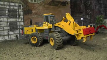 RC CONSTRUCTION l RC MACHINES l RC RIPPER l RC Komatsu!