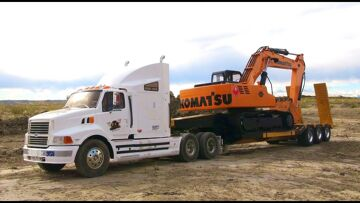 RC ADVENTURES – 1/12 Scale Earth Digger 4200XL Excavator pulled on Triple Axle Trailer