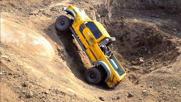 FUNNY OFF ROAD DUALLY TRUCK DRIVES OFF A CLIFF & GETS STUCK in PIT! RC MODEL | RC ADVENTURES