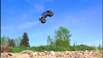 RC ADVENTURES – Traxxas X-Maxx gets Air Time – 6s Lipo, Electric Power 4×4 Monster Truck