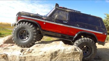 GREAT STRESS RELIEF! FORD BRONCO TRAXXAS TRX4 on MONSTER TIRES CAN EAT for DAYS | RC AVENTURI