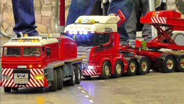 SPECTACULAR !!! PHENOMENAL !!! LONGEST RC SCALE MODEL TRUCK CONVOY / HEAVY TRANSPORT IN SCALE 1:14