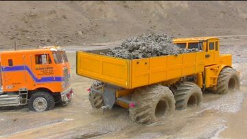 BIGGEST RC CONSTRUCTION SITE! GLOBE LINER 6X6 STUCK IN MUD! WORLD OF RC!  LKW MUDDING TRUCK