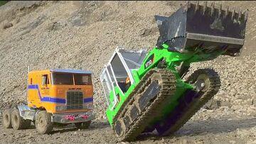 TRUCK ACCIDENT! LIEBHERR PR 741!CONSTRUCTION SITE! TRUCK CRASH! MUDDING RC CONSTRUCTION SITE!